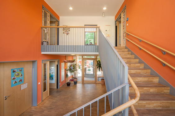 Treppe zu den oberen Gruppenräumen